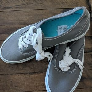 New with tags Airwalk sneakers size 7